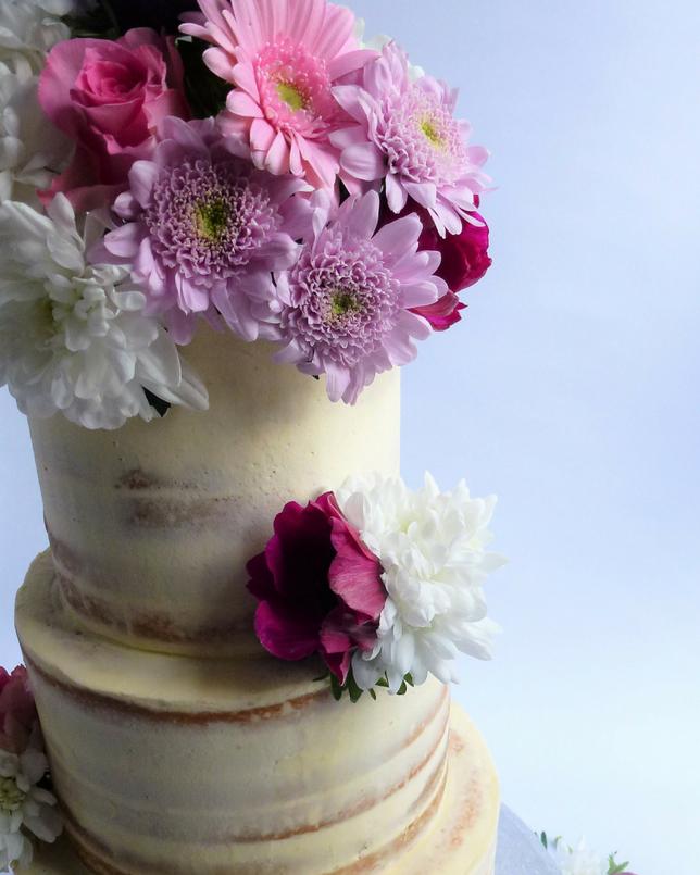 Wedding Cakes Wedding Cake Fresh: Semi-Naked Wedding Cake With Fresh Flowers