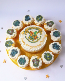 Round cake and cupcakes with Harry Potter Toppers