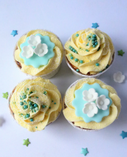 Cupcakes in Tiffany blue
