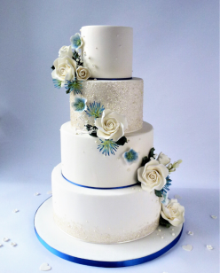 4 tierv wedding cake with classic blu
