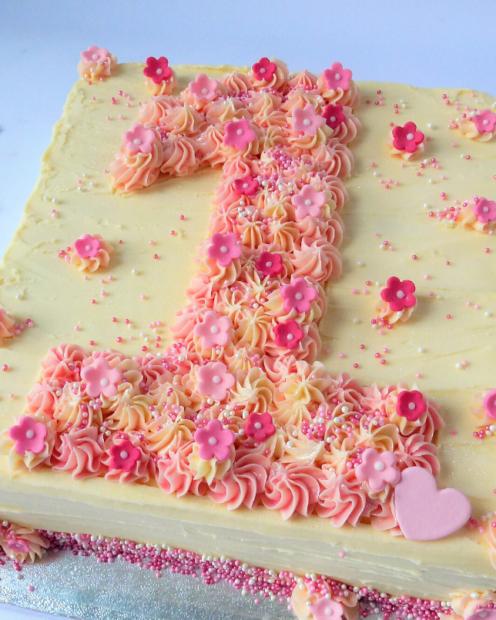 Pretty number birthday cake