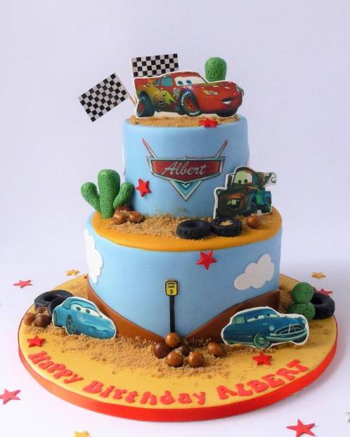 2 tier childrens birthday cake