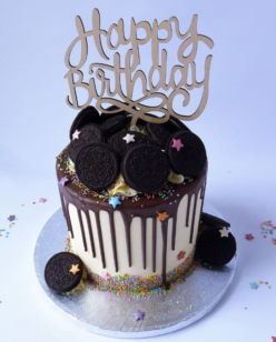 Drip cake with Oreo cookies