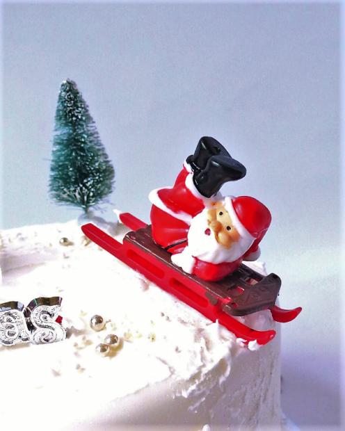 Cake decoration Santa on sledge
