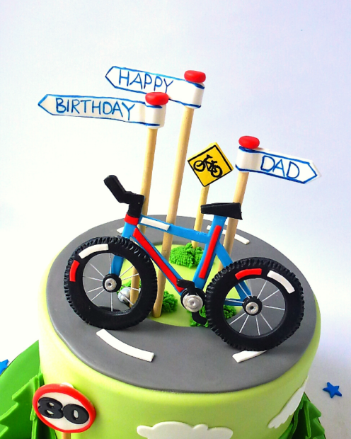 Fondant bike and road signs