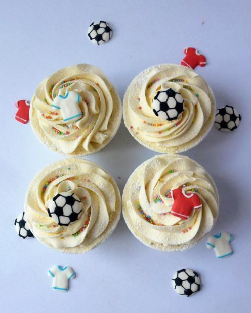 Cupcakes with football decs