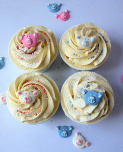 Cupcakes with teddy toppers