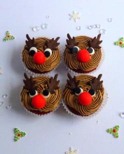 Cute Rudolph face cupcakes