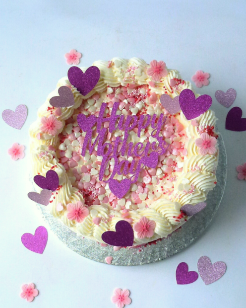 Mothers day cake with hearts and flowers