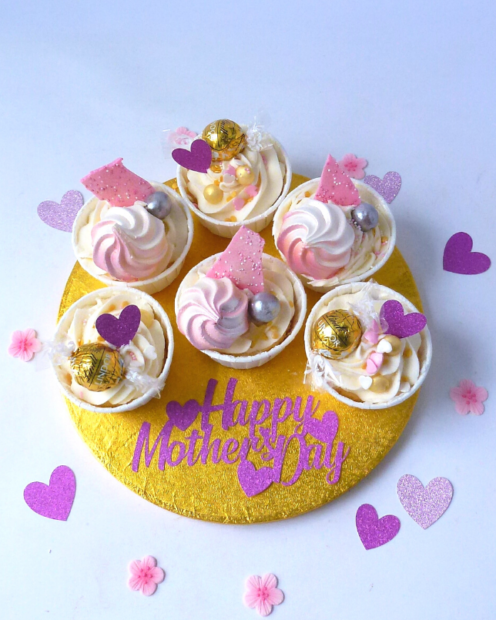 Pretty mother's day cupcakes