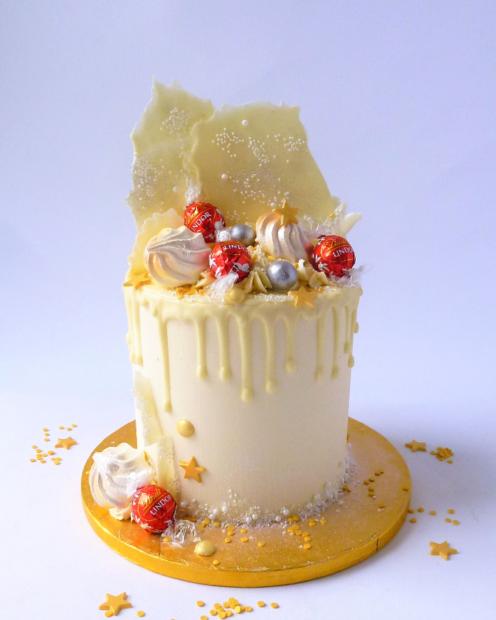 Cake with Lindor chocolates