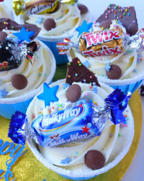 Cupcakes with chocolates